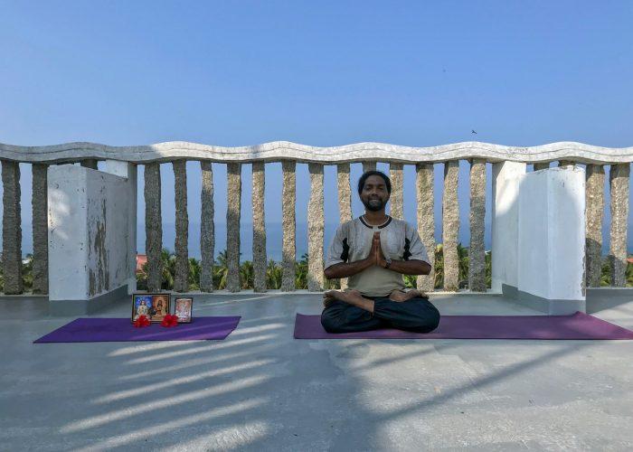 Yoga underviser Pritwii Kovalam